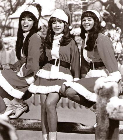 ronettes christmas